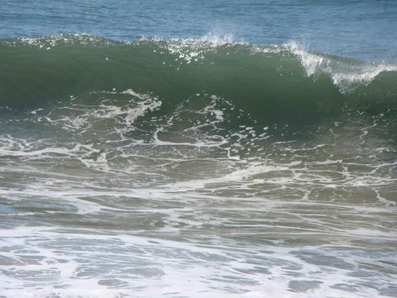 feb9-wave-crest-hermosa