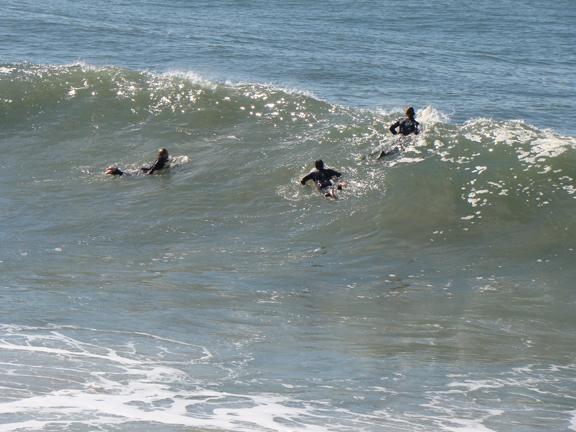 jockeying-position-surf-feb9