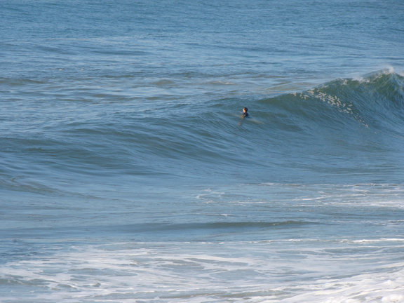 surfer-biding-time