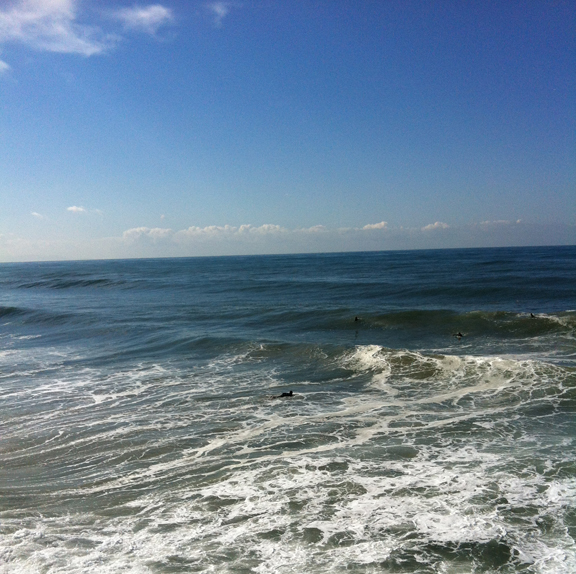 surfers-dotted-waves-feb9