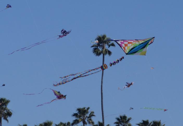 kites-near-pier