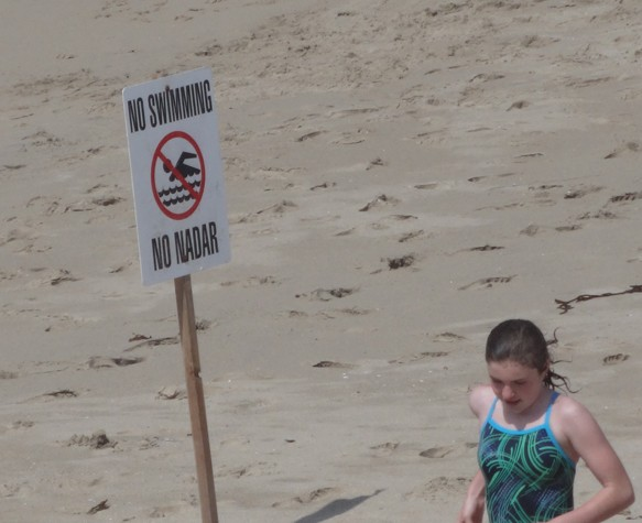 no-swimming-with-girl