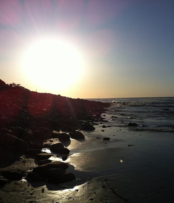 rat-beach-sunset-bright-day