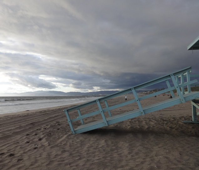 solo-runner-dockweiler-cloudy-day
