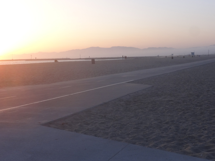 playa-sunset-bike-path