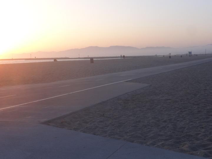 playa-sunset-bike-path