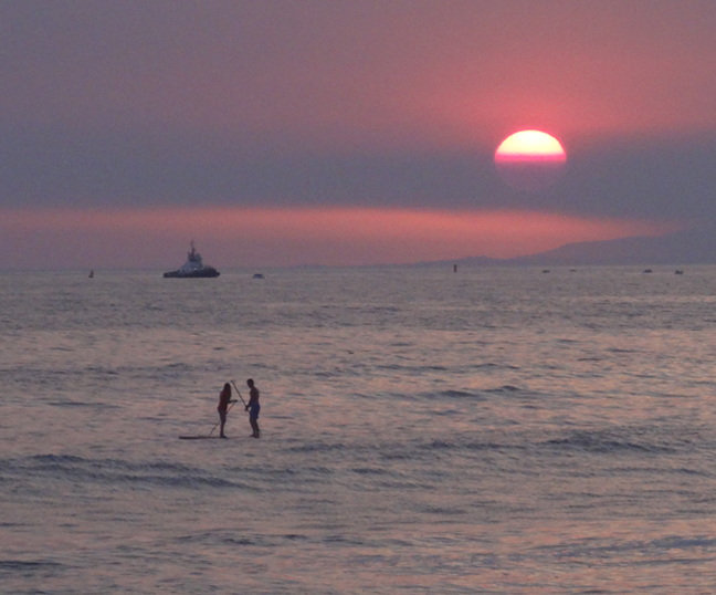 sunset-tete-a-tete