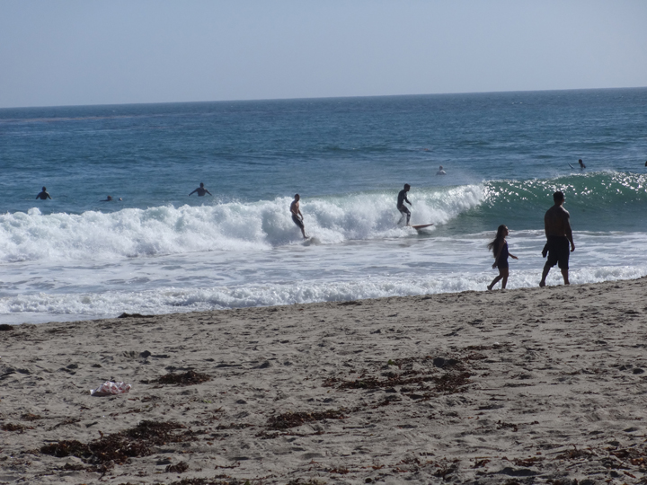 county-line-surfers-with-passersby