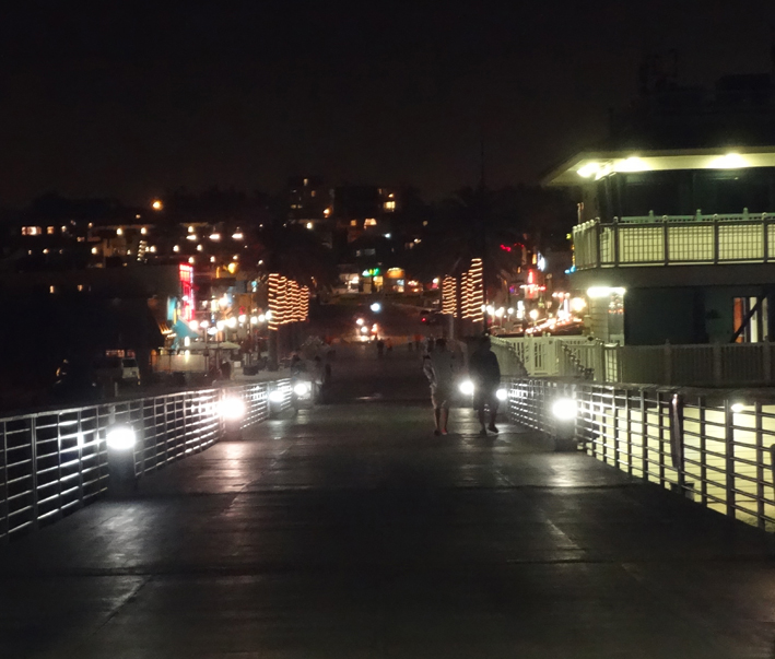 hermosa-pier-night