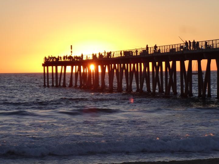 hermosa-pier-sunset-peekaboo