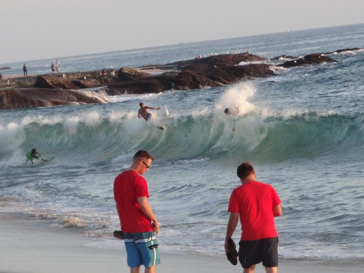 laguna-wave-action