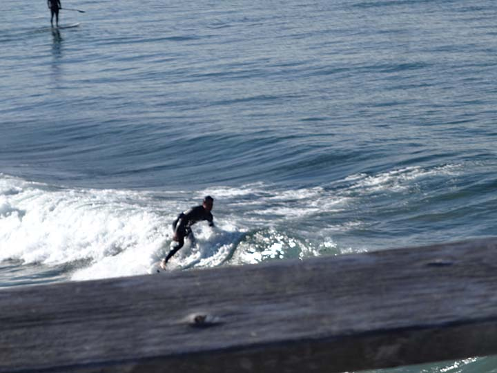 surfer-pier-view
