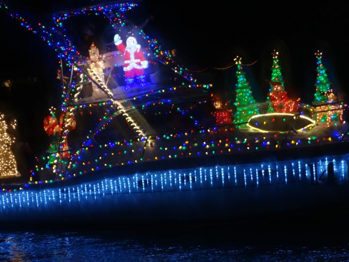 boat-parade-festive