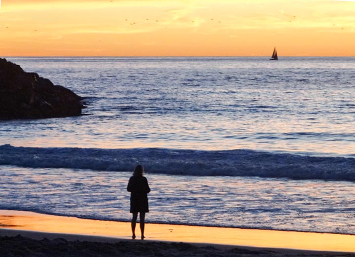 breakwall-sunset-redondo-december-beachgoer-sailboat
