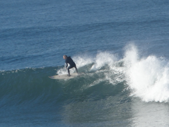 surfer-hermosa-waves