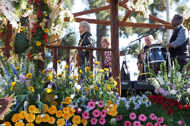 daryl-hall-rose-parade