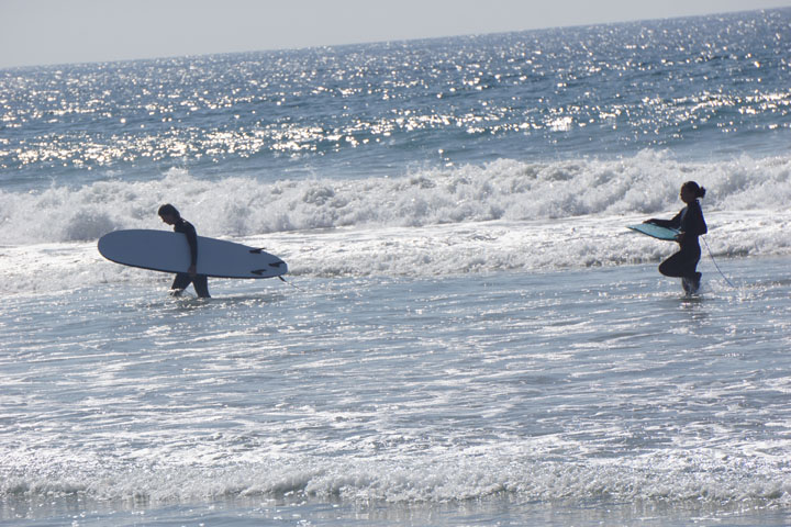 el-porto-surfer-pair-emerging