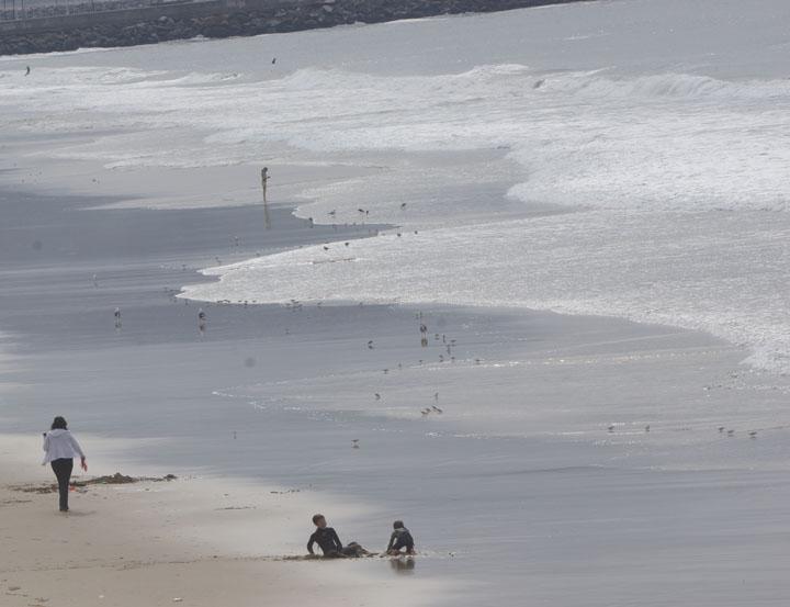 sunday-morning-on-the-sand-hermosa