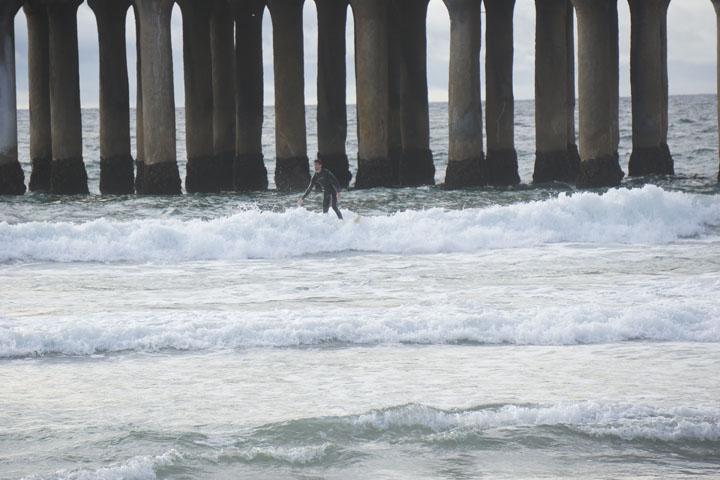 surfing-near-mb-pier