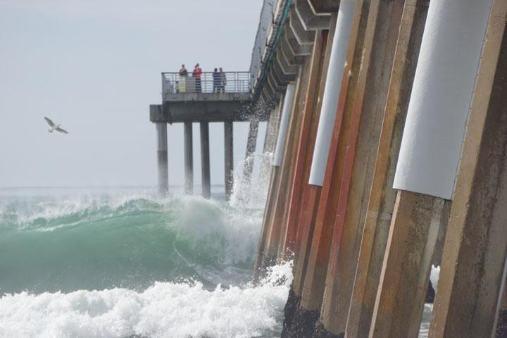 hermosa-splash-pier-sunday