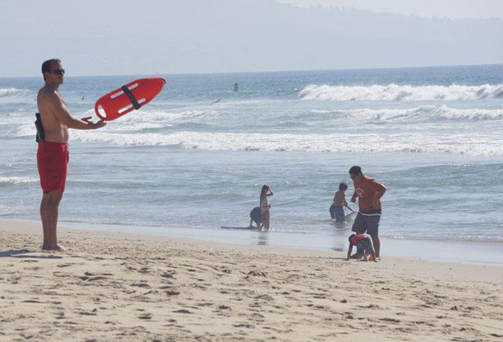 lifeguard-el-porto-sunday-sunny