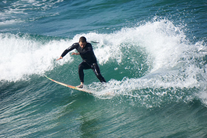 surfing-body-language-hermosa-march