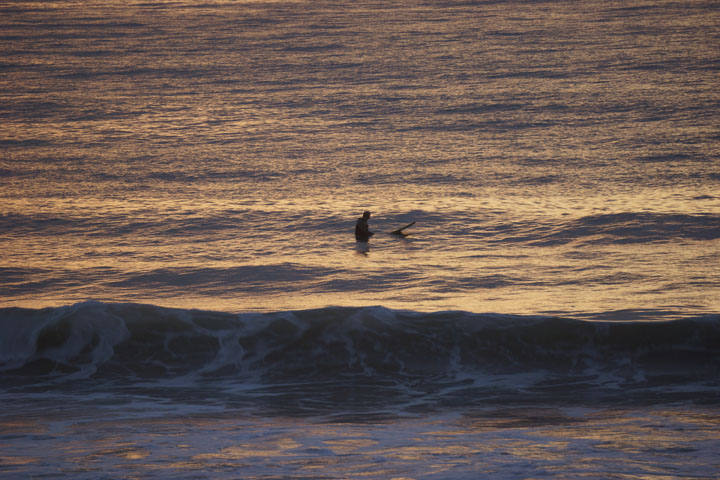 waiting-golden-hour-surfing-hermosa