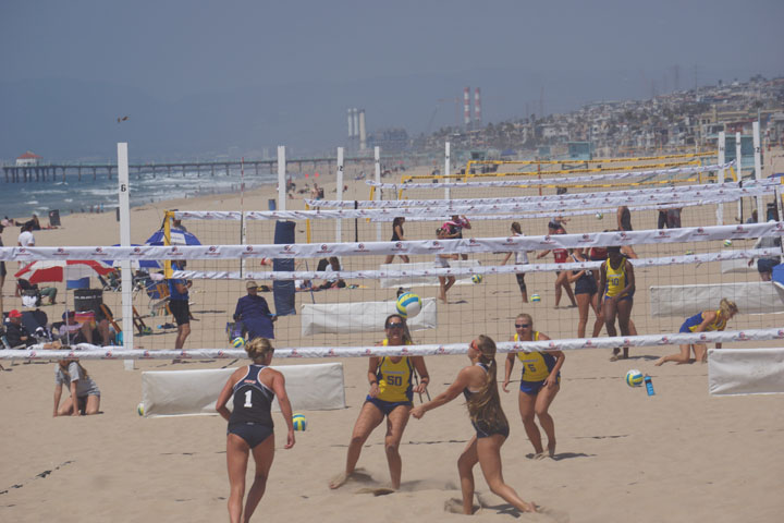 beach-volleyball-women-collegiate-pulled-back-hermosa