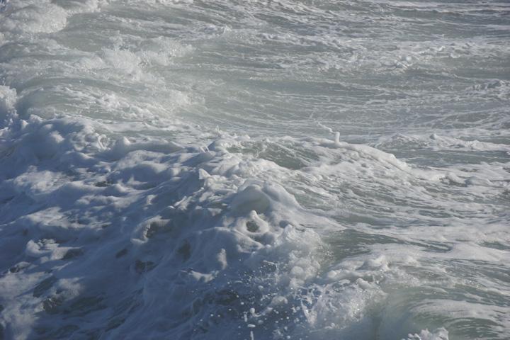 venice-foam-windy-weather