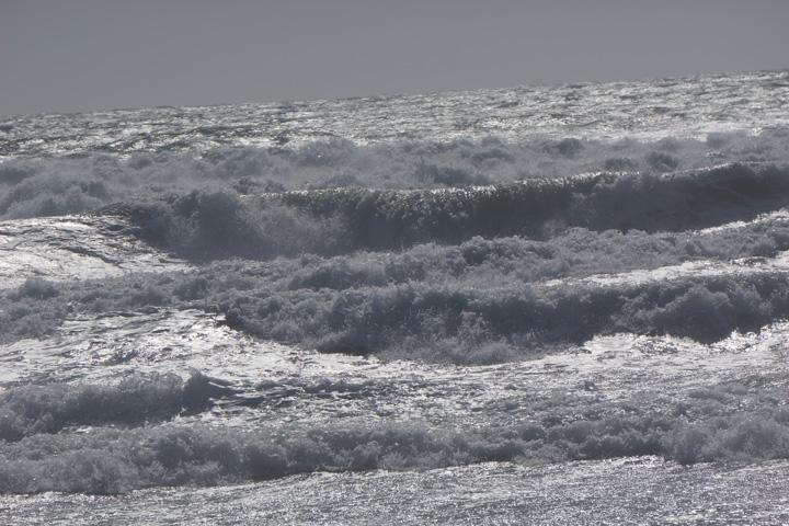 gorgeous-wave-break