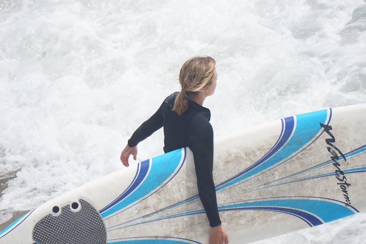 wavestorm-hermosa-surfer