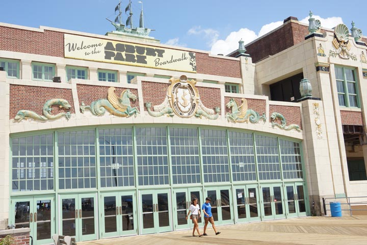 asbury-park-boardwalk-paramount-theater