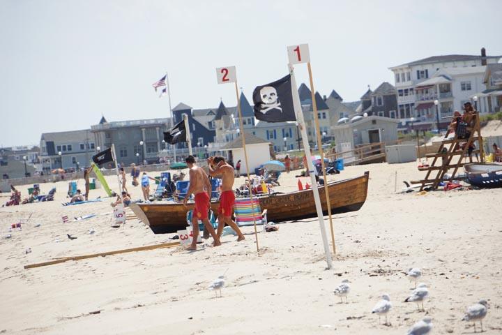 ocean-grove-lifeguards-pirate-flag