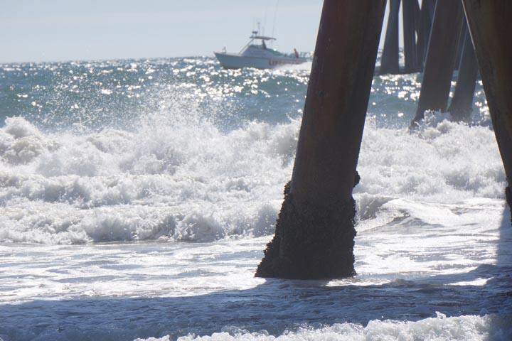 venice-baywatch-lifeguard-boat-big-swells-pier