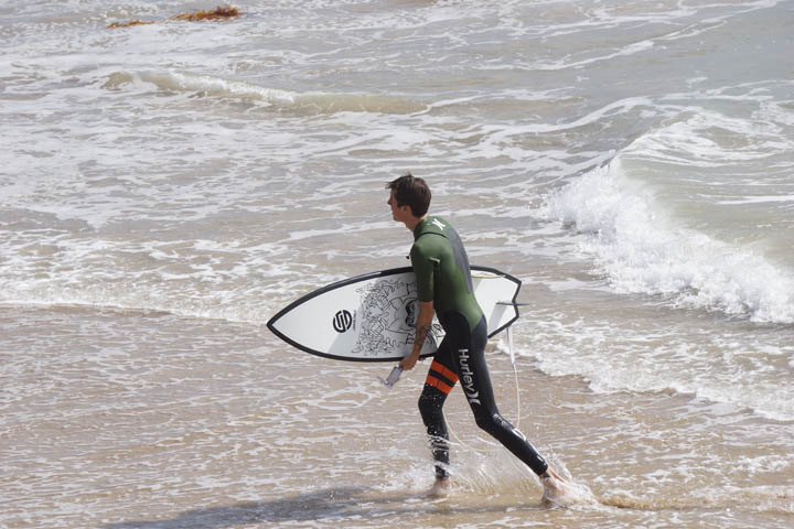 mid-day-surfer-manhattan-beach