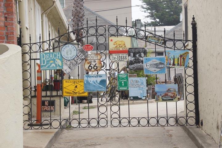 gated-sign-santa-cruz