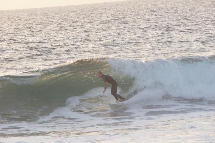 herondo-surfer-sunset-monday