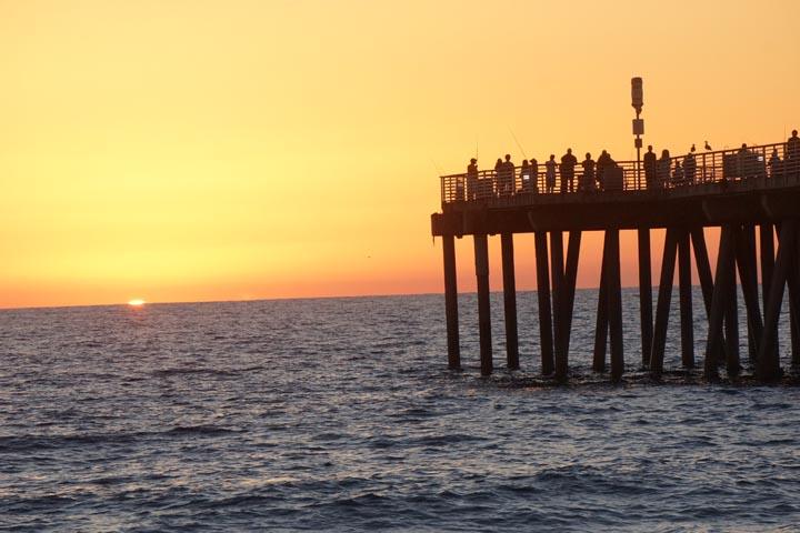 last-sliver-sunset-hermosa-pier