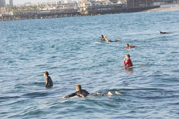 redondo-surfers-south-pier