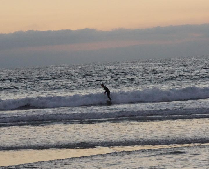 el-porto-surfer-after-sunset