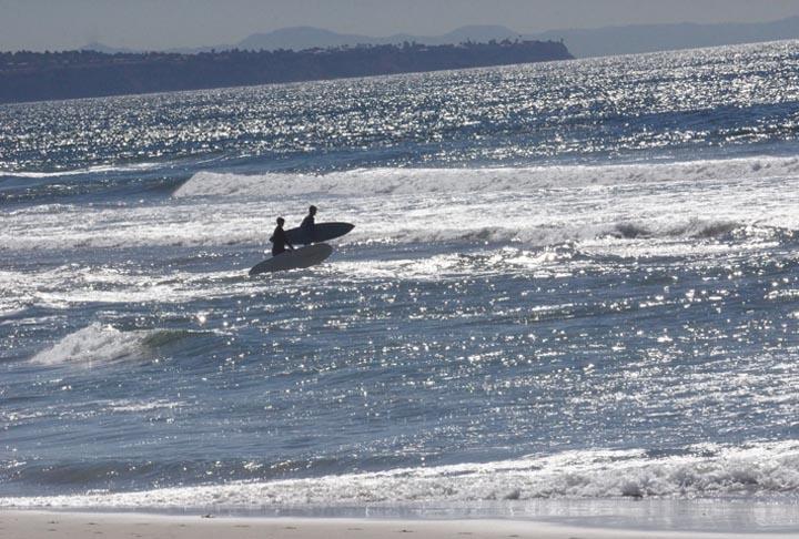 el-porto-surfers-heading-in-november