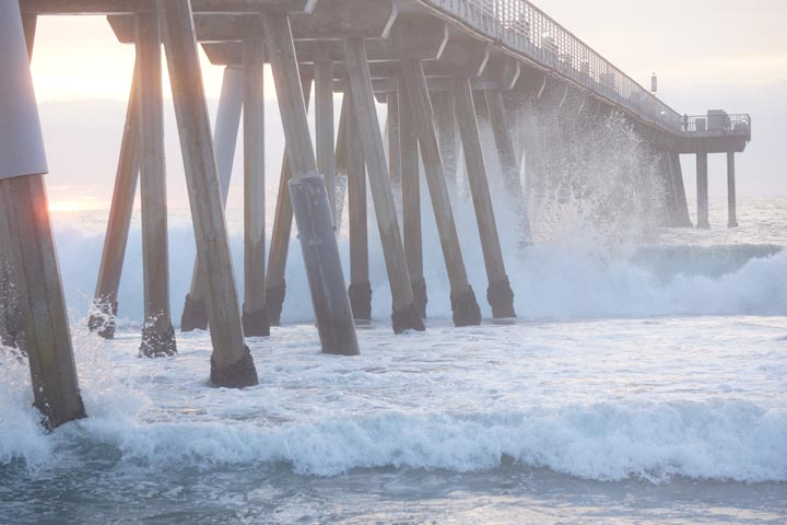 sunset-splash-hermosa-pier