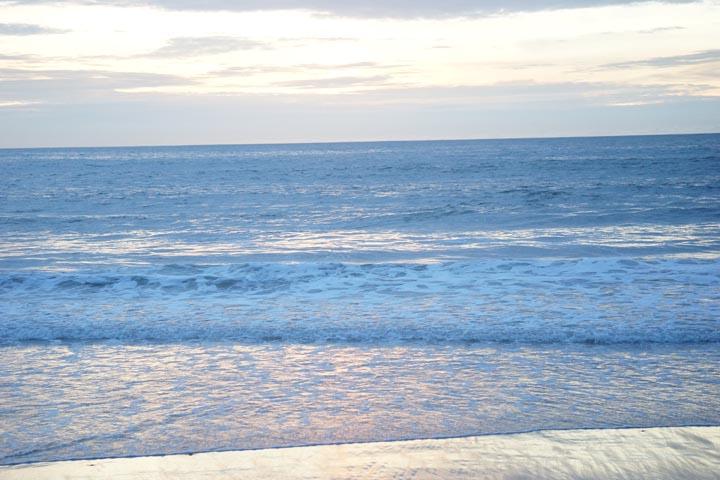 glow-water-playa-sunset