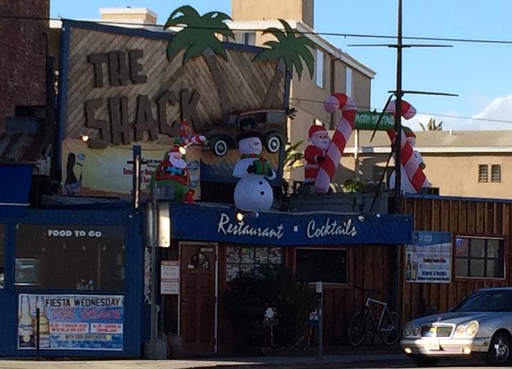 santa-on-the-shack-playa