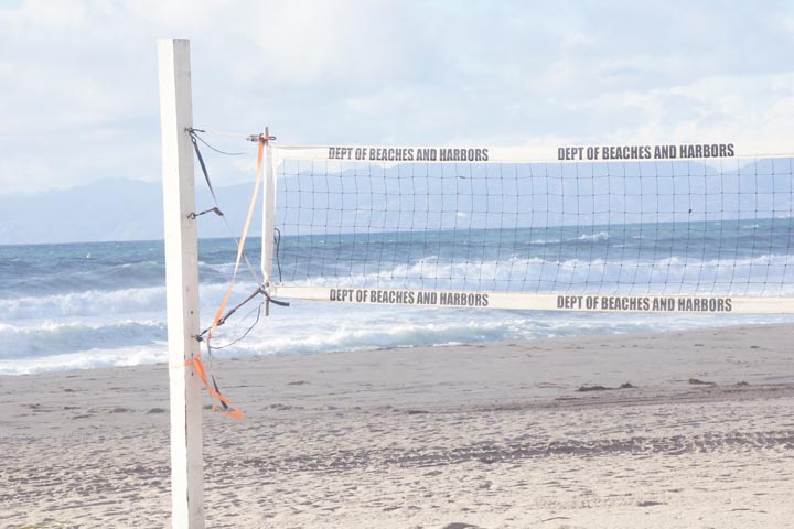 surf-through-volleyball-net