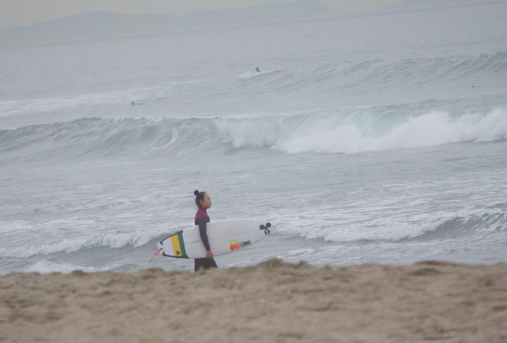 female-surfer-el-porto-jan-afternoon