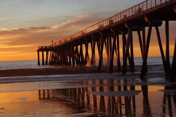 golden-sun-on-hermosa-pier