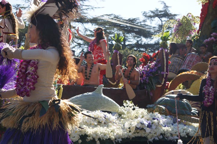 hawaiian-float-2-rose-parade-2015