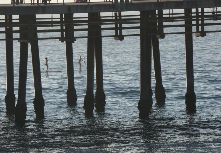 paddling-through-pier-redondo