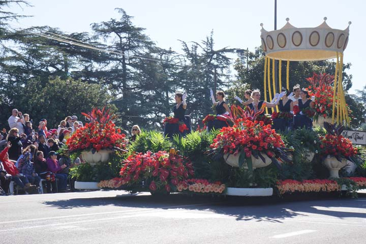 royal-court-rose-parade-2015